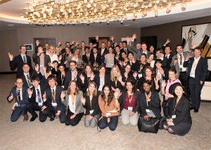ヤングリーダープログラム参加者の記念写真